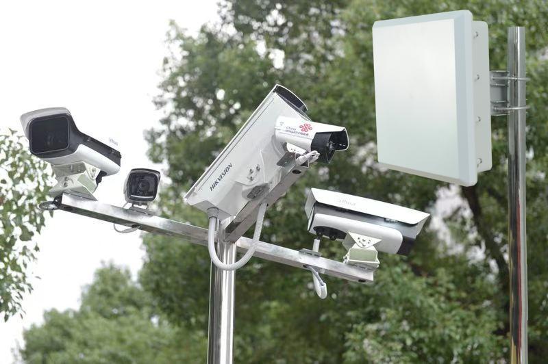 两台无线网桥能传好多个监控摄像头图