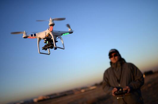 无人飞机自组网的路由协议设计构思及